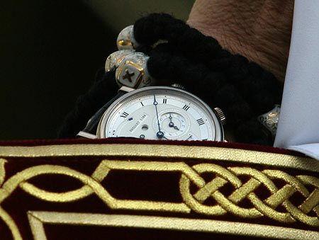 Часы Патриарха Кирилла стоят около 30 тыс. евро (ОБНОВЛЕНО)