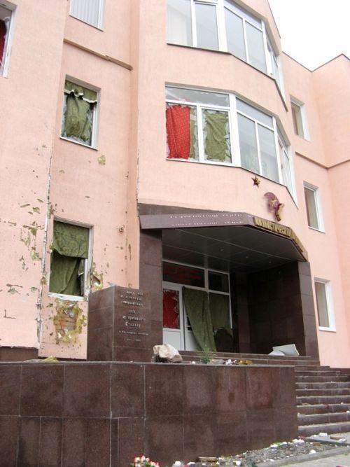 Памятник Сталину в Запорожье взорвали самодельным устройством (ФОТО)
