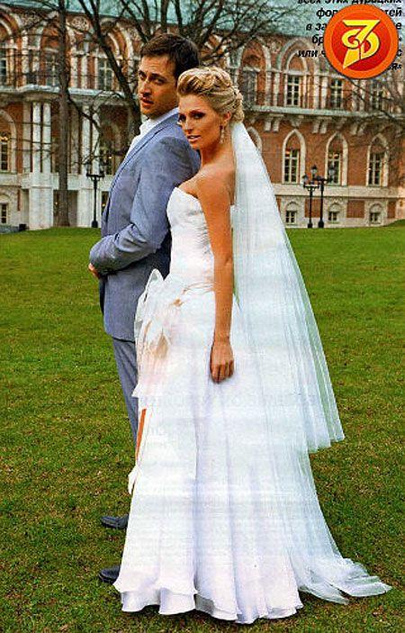 украинский российский муж саши савельевой фото со свадьбы представлены