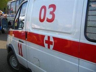 В Киеве автобус со студентами врезался в электроопору