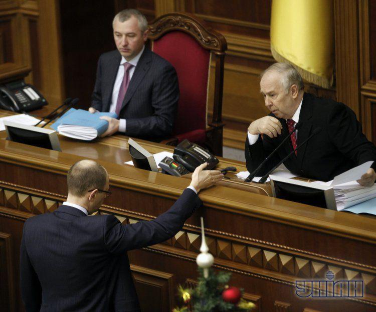 Яценюк готов отправить Рыбака в отставку