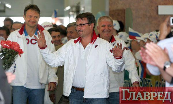 Герман Греф (в центре)