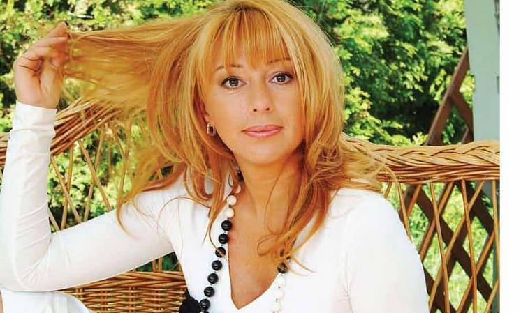 Алена Апина