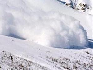 В Закарпатской области лавина накрыла туристов, один из них погиб