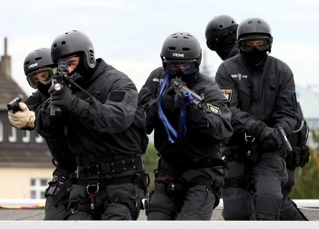 В США уволенный полицейский открыл