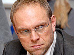 Власенко попросил лишить его адвокатского свидетельства