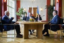Янукович встретился с Коморовским и Гашпаровичем