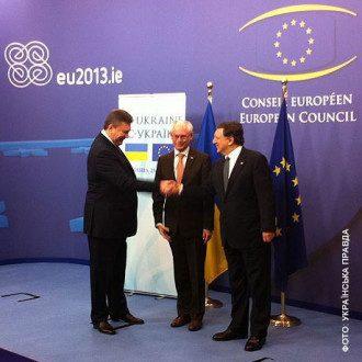 Янукович встретился с Ромпеем и Баррозу