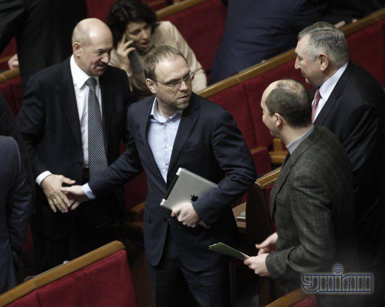 Власенко - о лишении себя мандата: Беспредел
