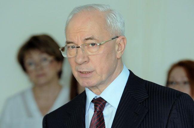 Азаров пообещал увольнять нерадивых чиновников