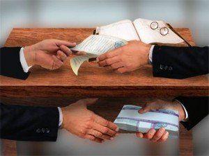 Украинцы представляют справедливость как суды Линча, или тюрьмы, переполненные коррупционерами