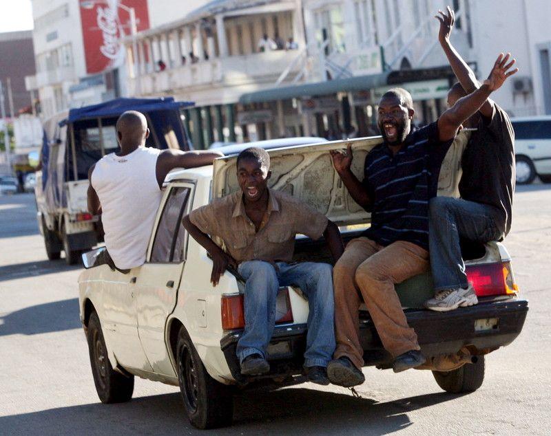 В Зимбабве неизвестные похитили лидера оппозиции