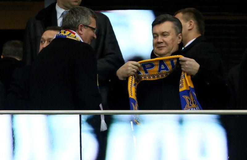 Янукович с Коморовским сходили на футбол