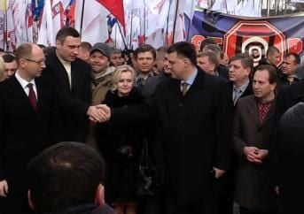 Оппозиция потребовала транслировать заседение Рады на улицу