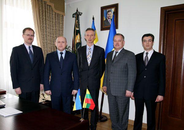 Литовские налоговики приехали в Киев