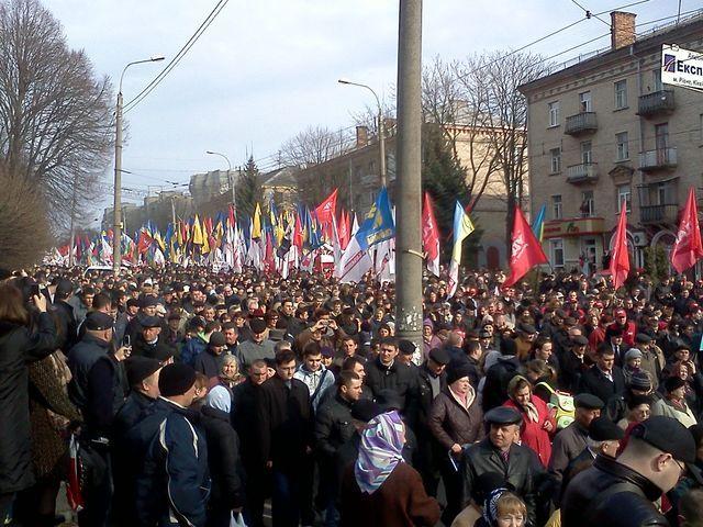 Фото с предыдущей акции оппозиции в Ровно