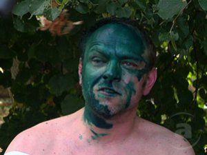 Сергея Власенко обливают зеленкой уже третий раз