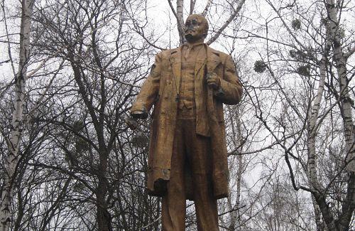 Памятник Ленину в Камышне