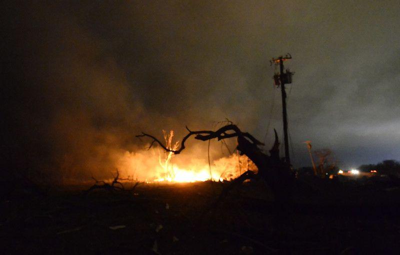 Число жертв взрыва на заводе в Техасе возросло