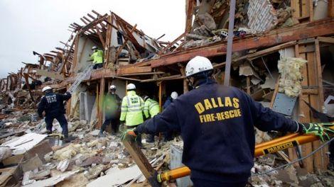 Спасатели продолжают искать пострадавших