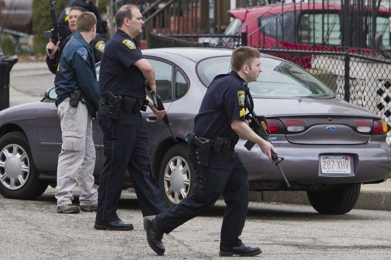 Полиция штурмует дом Царнаевых