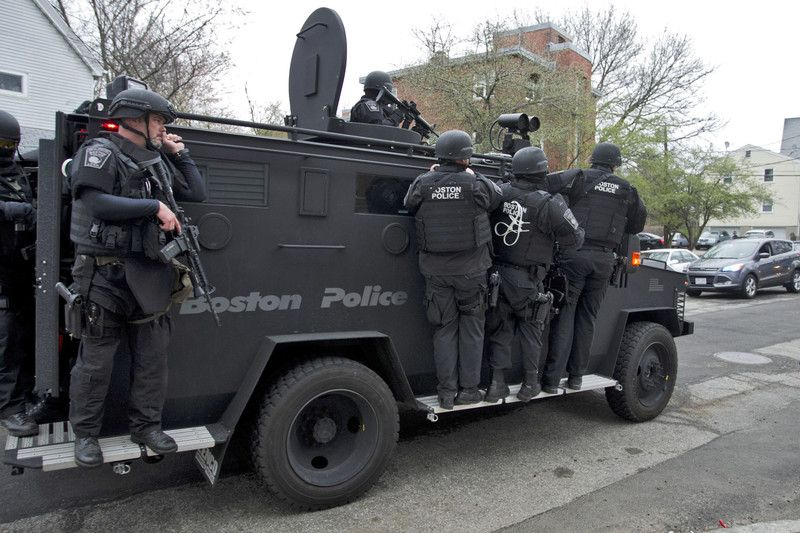 Спецназ штурмовал дом братьев Царнаевых