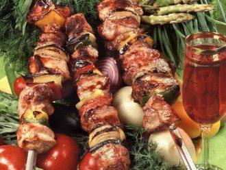 Шашлык со свинины — В Украине за год шашлык со свинины подорожал на 9%, сообщил эксперт