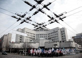Чому Україна ризикує втратити НАБУ та Антикорупційного суду
