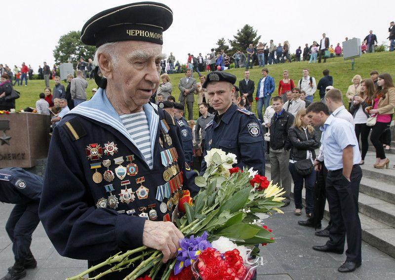 День Победы будут праздновать 75% украинцев