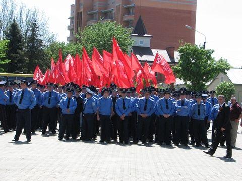 В Тернополе на День Победы дрались из-за красных флагов