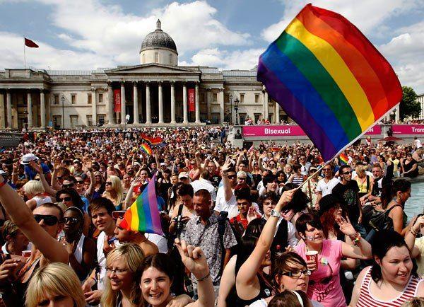 ПАСЕ: политикам стоит ходить на гей-парады