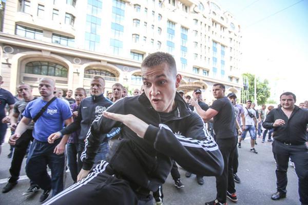 Титушко во время драк в Киеве