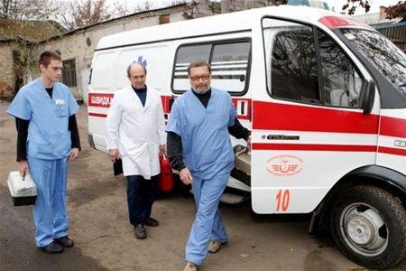 На Днепропетровщине десяткам детей стало плохо на линейке.