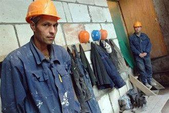 Украинцам усложнят работу за границей