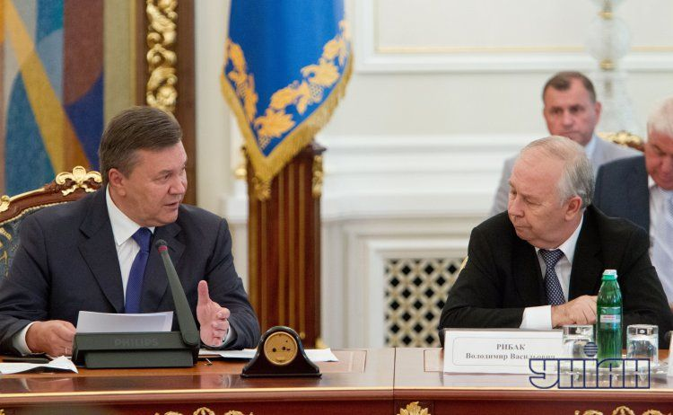 Виктор Янукович и Владимир Рыбак.
