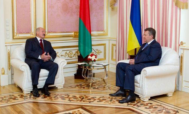 Фото со встречи Януковича и Лукашенко