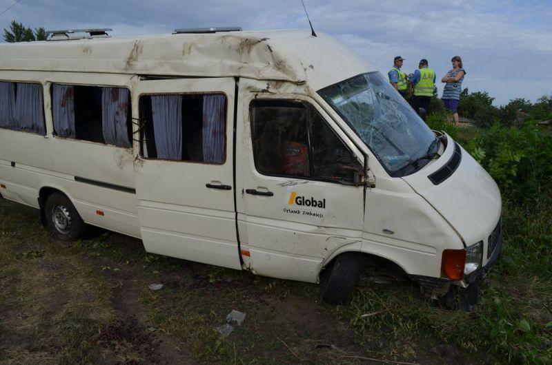 При аварии пострадали 6 человек