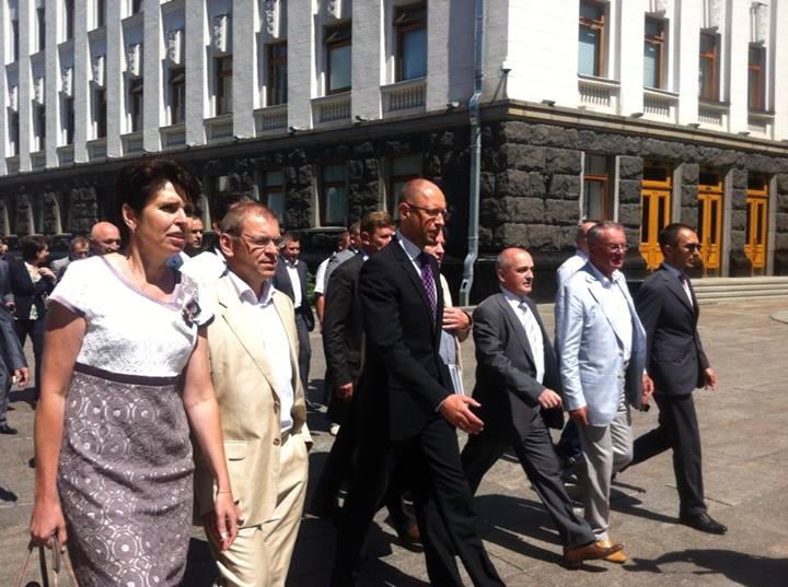 Яценюк перед встречей с Януковичем
