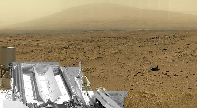 Марсоход Curiosity показал Красную планету.