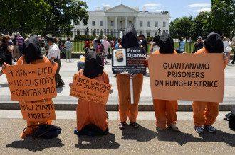 """Акция против """"бессрочного заключения"""" в Гуантанамо"""