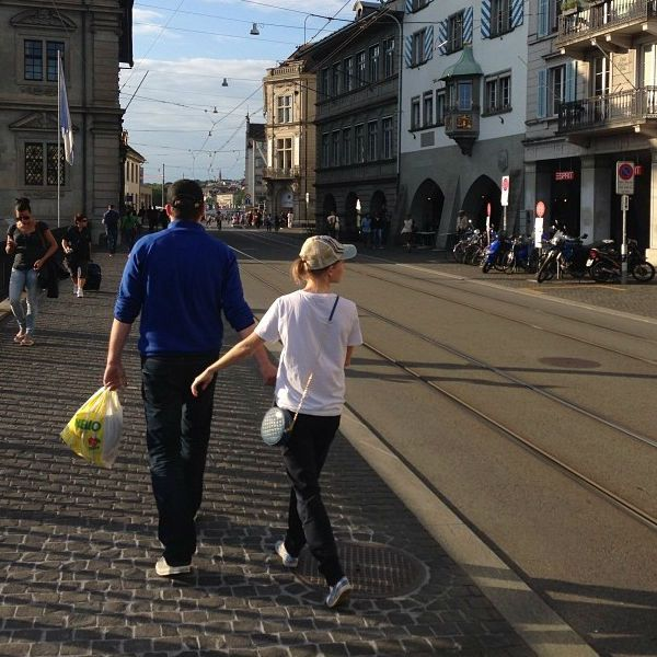 Асмус и Харламов опубликовали фото с отдыха в Европе