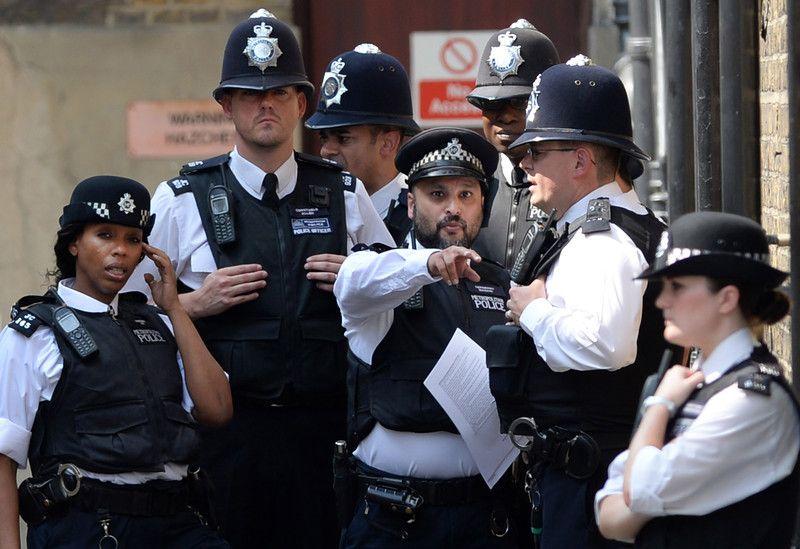 Британская полиция, иллюстрация