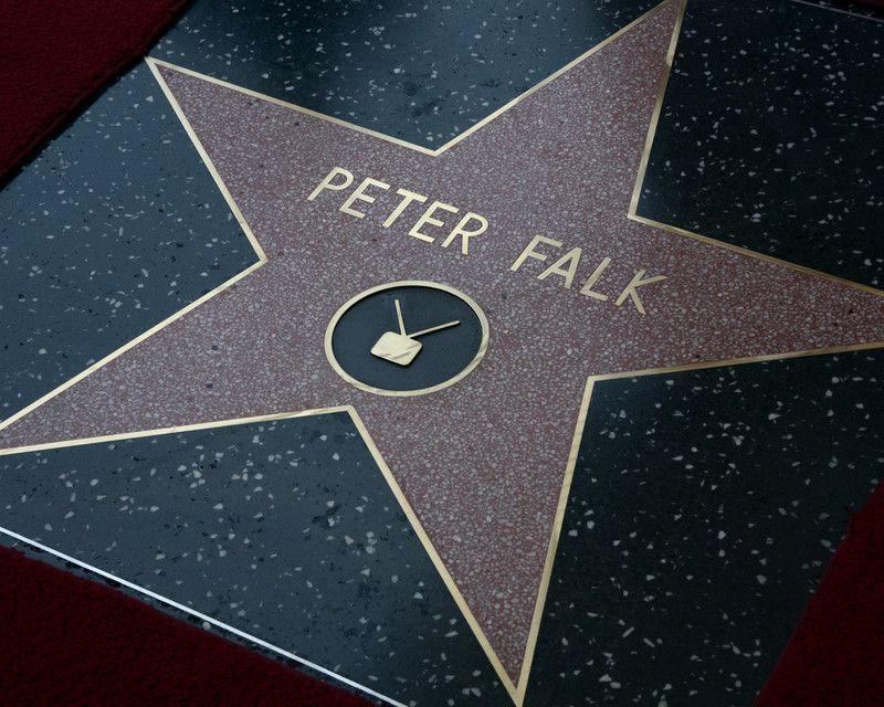 Звезда Питера Фалька на Аллее славы