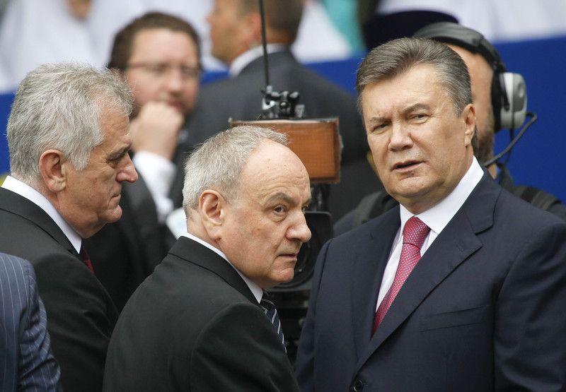 Президенты Украины Виктор Янукович, президент Молдовы Николай Тимофти и президент Сербии Томислав Николич