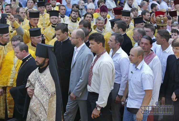 Яценюк на молебне в Киеве в воскресенье
