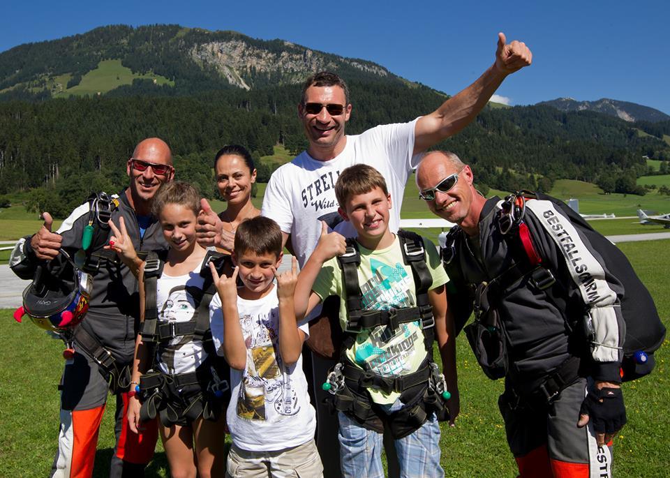Виталий Кличко навестил детей в американском лагере
