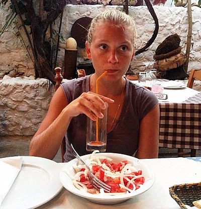 Кристина Асмус отдыхает с сестрой на Кипре