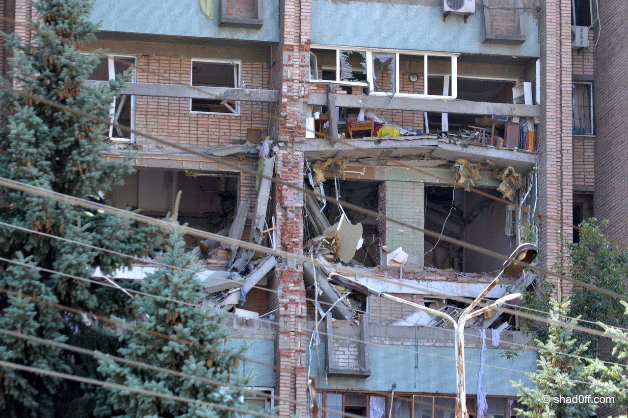 Взрыв многоэтажки в Луганске