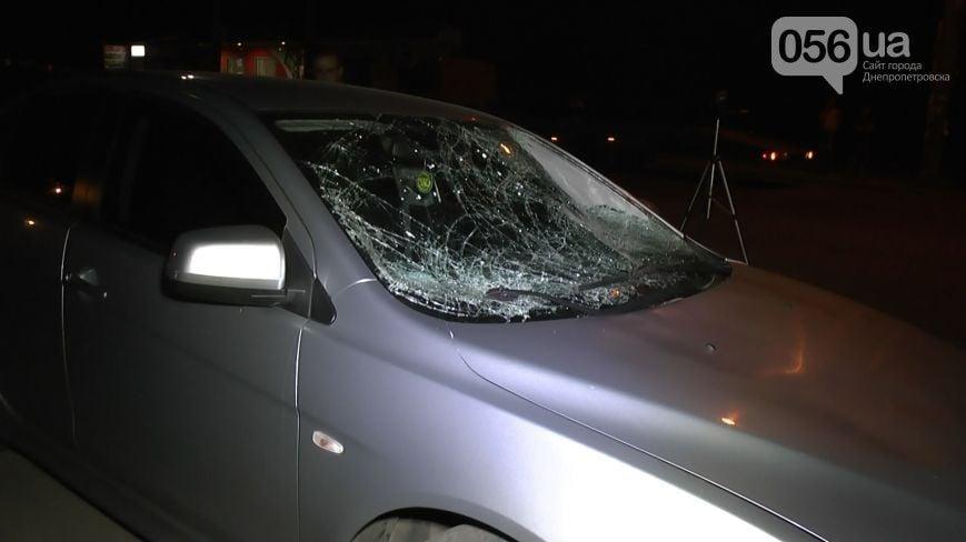 Машина бизнесмена сбила людей на остановке