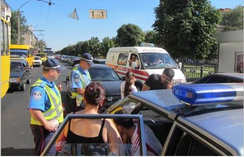В Полтаве свидетели аварии ногами избили виновника ДТП